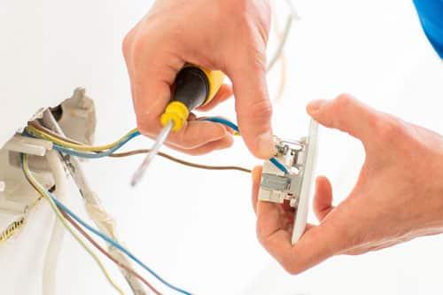sähkömies tekee töitä alueella helsinki, espoo ja vantaa